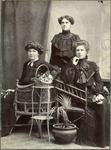 Gus Gunn and two unidentified women.
